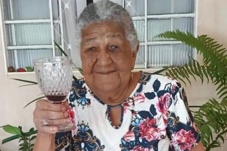 Doña María, de 101 años, le pidió a su bisnieta que entregara su currículum a la jefa de Recursos Humanos de una empresa porque quiere trabajar y no depender de nadie
