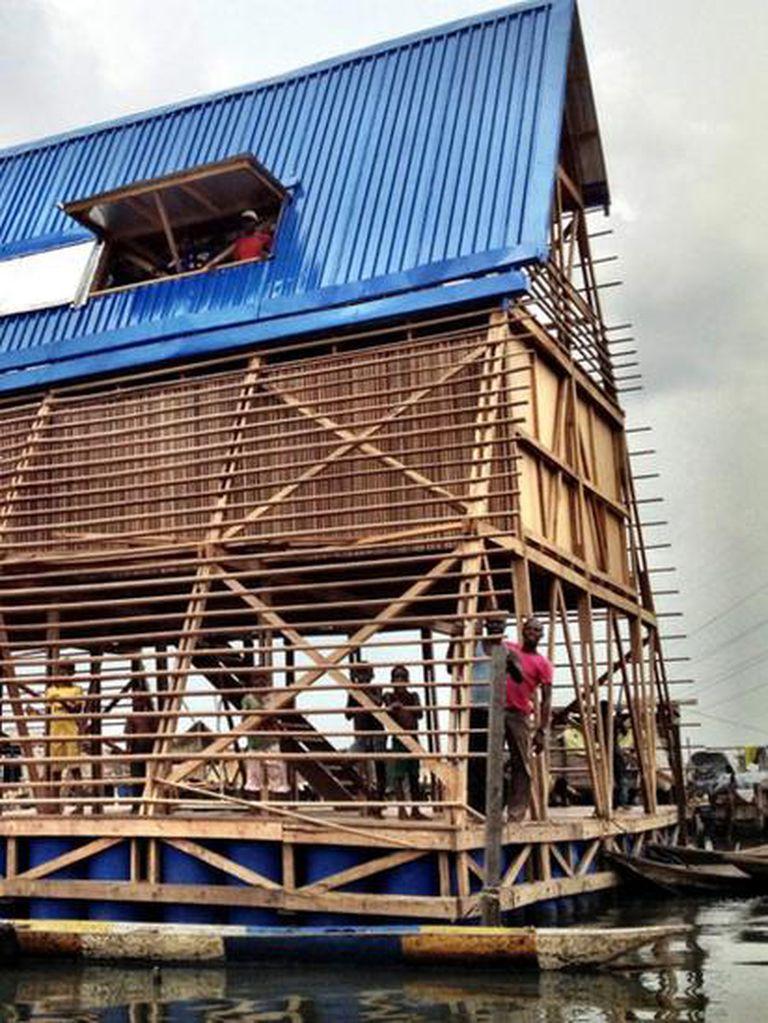 La escuela flotante de Makoko fue un edificio prototipo que ha servido de inspiración para otros proyectos.