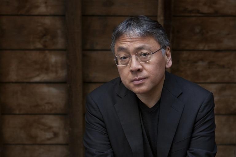Kazuo Ishiguro regresa con una novela sobre la inteligencia artificial