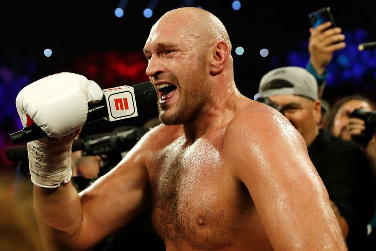 El show de Tyson Fury en Las Vegas: victoria por KO y música para su esposa