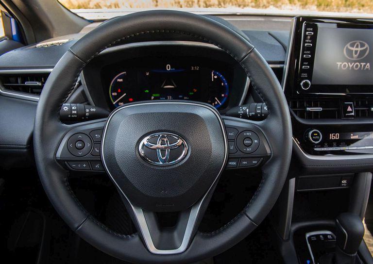 El interior de la versión híbrida del nuevo Toyota Corolla Cross