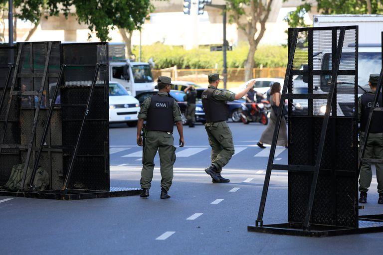 Corte por operativo de seguridad frente al Hotel Four Seasons