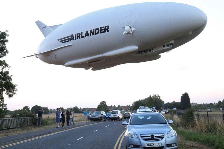 """Caídos en desgracia hace décadas debido a una serie de accidentes, los zepelines, equipados con nuevas tecnologías y diseños, están volviendo a surcar los aires. ¿Pero cómo son estas llamadas """"ballenas voladoras""""?"""