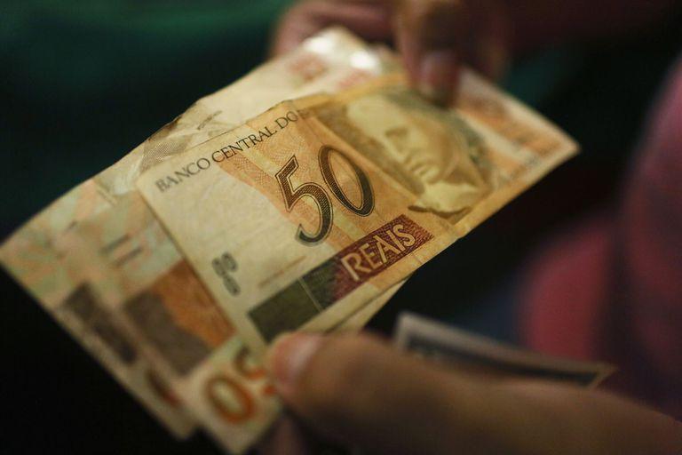 La moneda limítrofe es la única opción de venta que tienen las agencias de cambio.