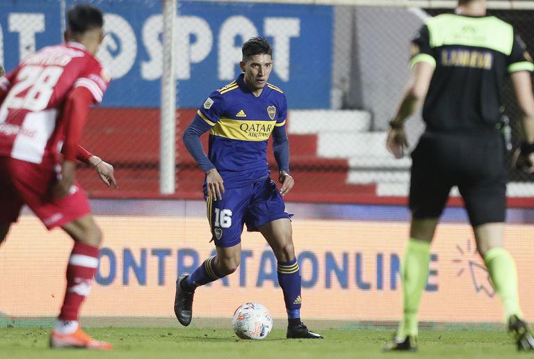 Aaron Molinas ante Unión, todavía bajo la conducción de Miguel Russo; el volante ofensivo, tras su buen ingreso ante Patronato, ahora podría ser titular ante Platense