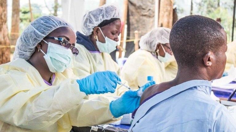 La vacuna contra el ébola también requiere bajas temperaturas de conservación y demostró que es posible administrarse en países de bajos recursos
