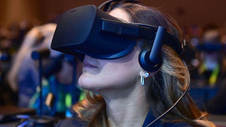 Intel usó anteojos Oculus Rift para su presentación en la CES 2017