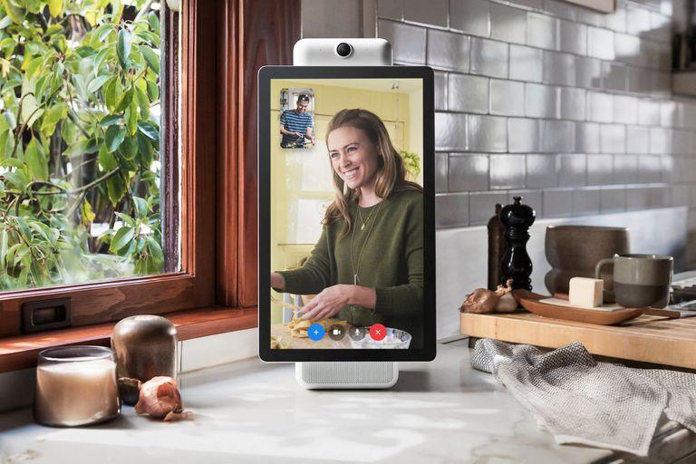 Portal es el dispositivo hogareño de Facebook para hacer videollamadas