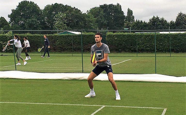 El tenista argentino Juan Pablo Ficovich, recuperado de miocarditis, volvió a competir después de 200 días: lo hizo en la qualy de Wimbledon.