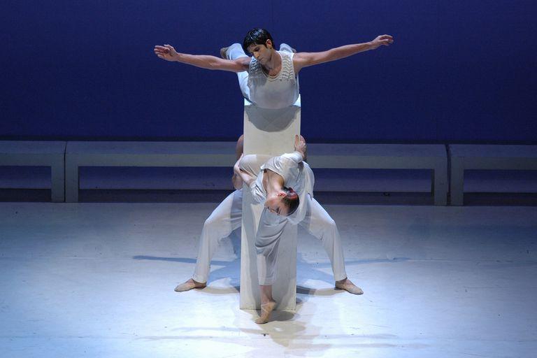 """Escena de """"El Mesías"""", de Mauricio Wainrot, en su última presentación en Buenos Aires por el Ballet Contemporáneo del Teatro San Martín, en 2014"""