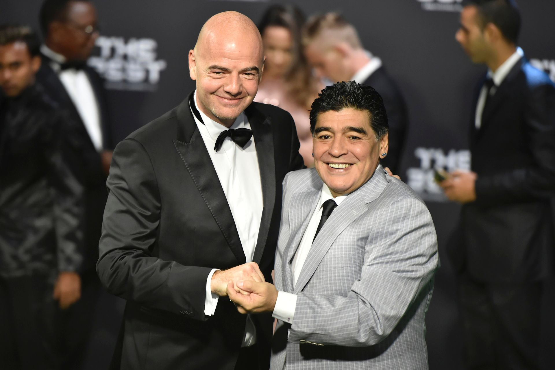 Maradona e Infantino en una reunión de la FIFA, en Zurich, en 2017