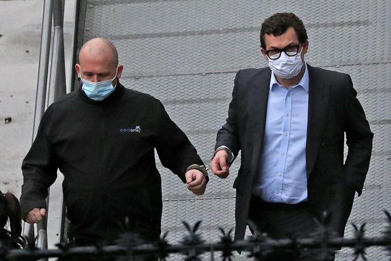 Simon Bowes-Lyon fue condenado por haber busado a una mujer en febrero de 2020