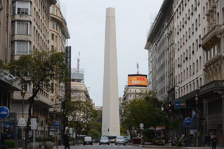 El Obelisco fue intervenido por un artista argentino con reconocimiento en todo el mundo