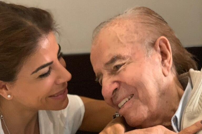 Carlos Menem y su hija Zulemita, en una reciente foto publicada en las redes sociales
