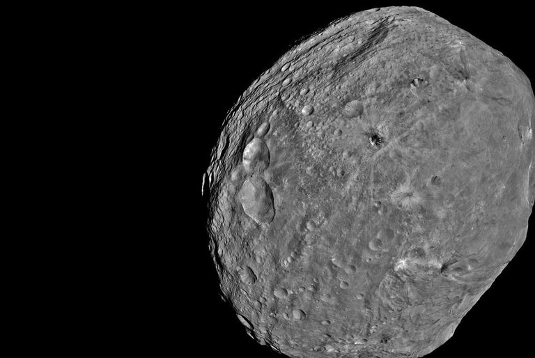 El Extremely Large Telescope (ELT) de ESO, que estará listo en una década, permitirá obtener imágenes nítidas de asteroides más lejanos a la Tierra