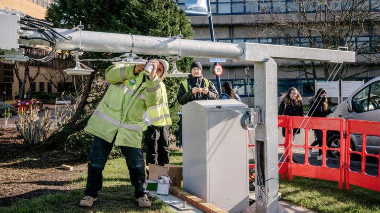 Una de las antenas de la Universidad de Surrey, donde ponen a prueba la nueva generación de redes móviles conocida como 5G