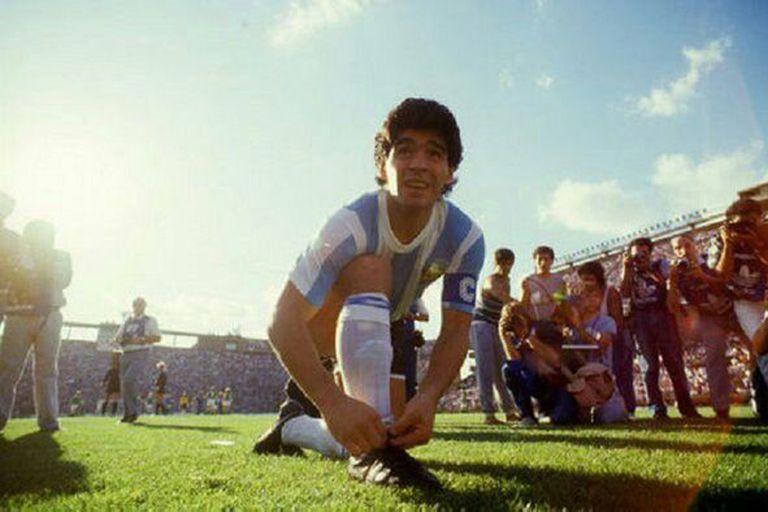 Diego Maradona fue homenajeado por Martín Gramática en el Super Bowl