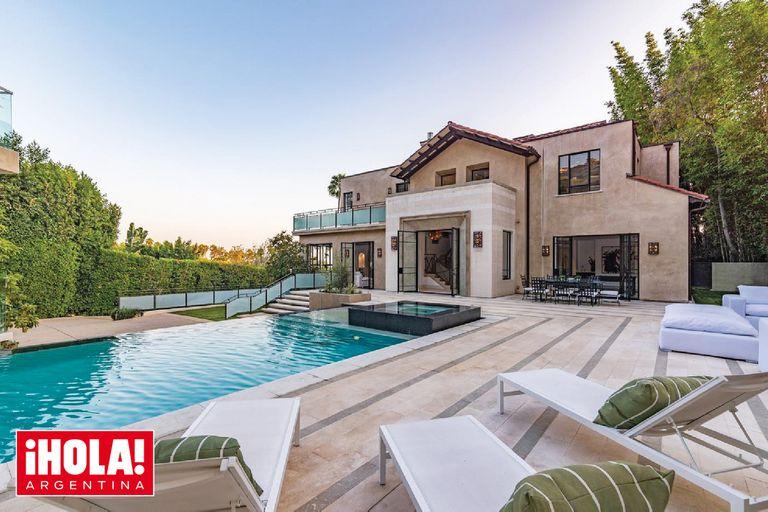 Ubicada en Hollywood Hills, la casa es una de las cuatro propiedades que la cantante tiene en California.