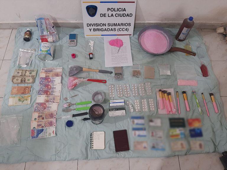 El dinero y las sustancias secuestrados en Mataderos