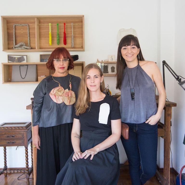 Monique Lecuona, Sol Ríos y Bárbara D´Ambra, las tres diseñadoras elegidas para exhibir sus joyas contemporáneas en Munich.