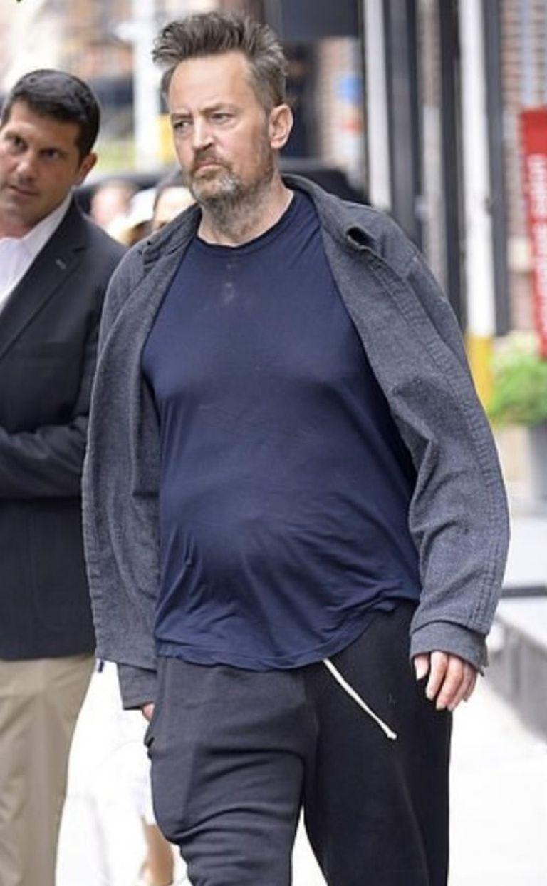 Matthew Perry fue captado en 2019 con un aspecto desaliñado antes de ingresar al hospital New York University Langone