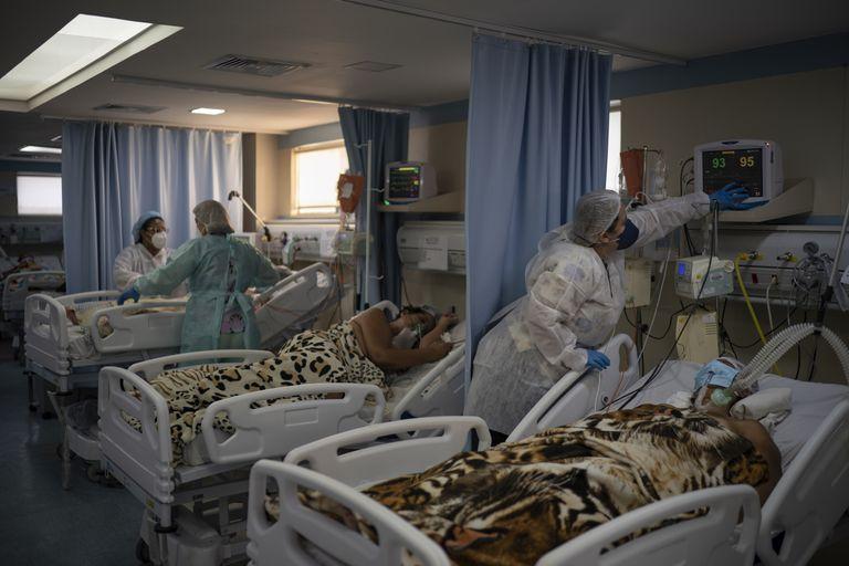 Internados por coronavirus en un hospital de Duque de Caxias