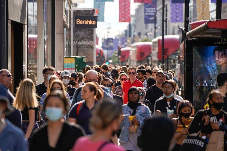 Se estima que la variante Delta del coronavirus, descubierta por primera vez en India, es un 60% más transmisible que la variante Alfa que causó la última ola de infecciones en el Reino Unido