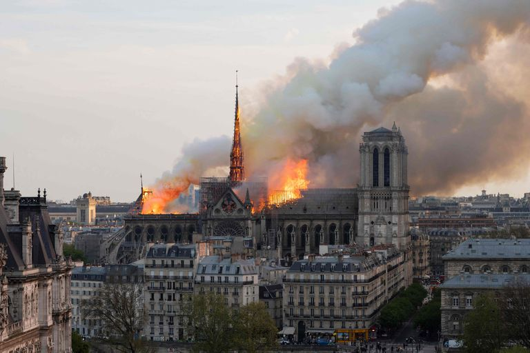 Notre Dame: a dos meses del incendio, se celebrará hoy la primera misa