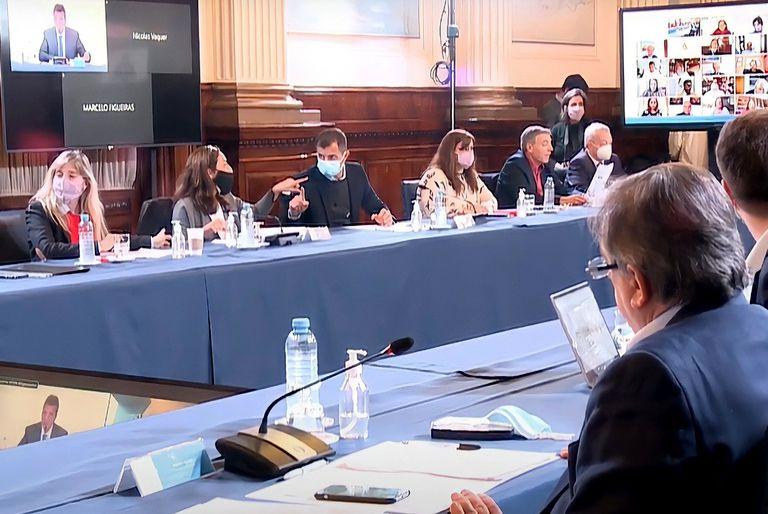 El presidente de la Cámara de Diputados, Sergio Massa, convocó a una reunión entre los legisladores y los representantes de laboratorios que producen vacunas contra el coronavirus para evacuar inquietudes sobre los contratos