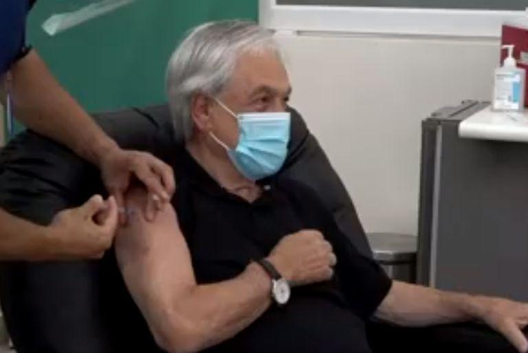 El presidente chileno Sebastián Piñera recibió hoy la vacuna contra el coronavirus