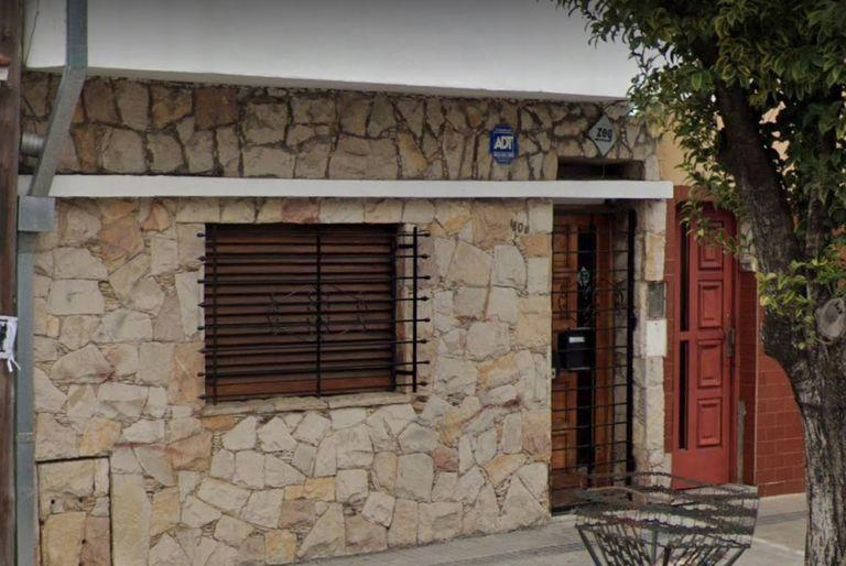 La casa donde ingresó el violento ladrón adolescente, en La Plata