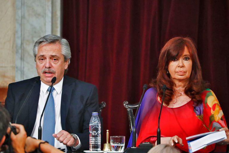 Alberto Fernández junto a Cristina Kirchner al inaugurar el período de sesiones ordinarias del año pasado