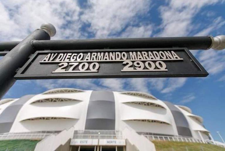 El homenaje a Diego Maradona en el estadio de Santiago