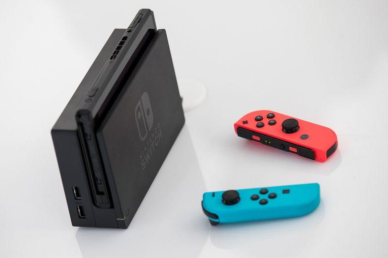 Consola Switch: Nintendo pide que no metan cosas en la ranura para tarjetas
