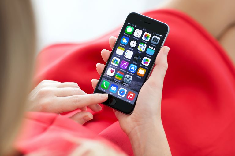 La actualización del próximo sistema operativo confirma que Apple renovará su línea de teléfonos con Touch ID, en un modelo que podría denominarse iPhone 9 o iPhone SE 2