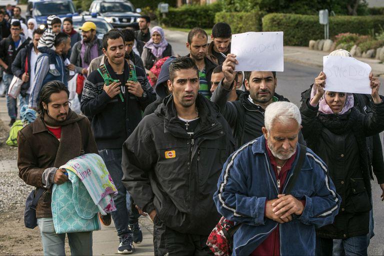El gobierno quiere desmantelar las 16 zonas urbanas del país que considera auténticos enclaves de extranjeros, pero muchos temen que la presunta intención integradora acabe en realidad desalentando la inmigración
