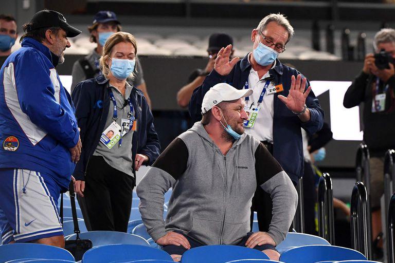 Cuarentena: obligaron al público a irse ¡en medio del partido de Djokovic!