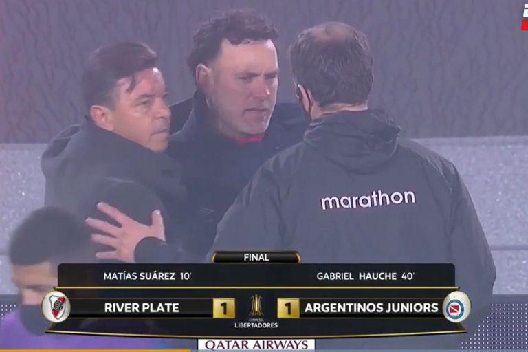 River-Argentinos: un partido intenso y un severo cruce entre Gallardo y Milito al final
