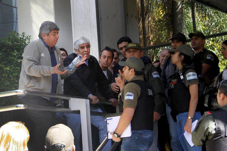 Tras los allanamientos, el fiscal no descarta pedir la detención de Pablo Moyano