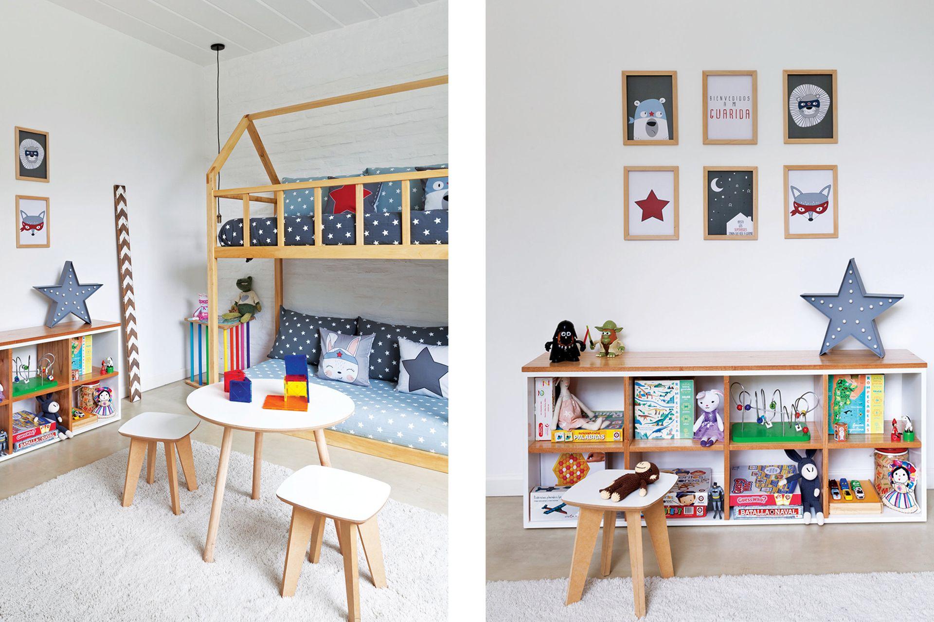 Las camas armadas como diván son lugar de juego a toda hora. Al lado, mueble juguetero realizado en paraíso macizo.