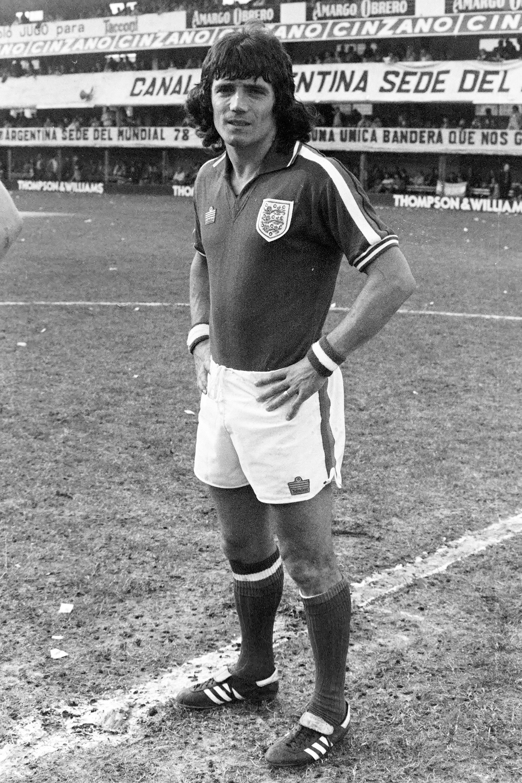 Kevin Keagan (12 de junio de 1977): la serie internacional en la Bombonera, preparatoria para el Mundial 78, permitió que grandes figuras llegaran al país, como el capitán inglés (1-1), que en los dos años posteriores sería elegido como el mejor futbolista de Europa