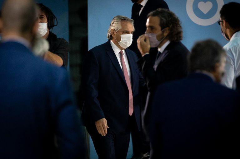 El presidente le toma juramento al nuevo ministro de Transporte, Alexis Guerrera
