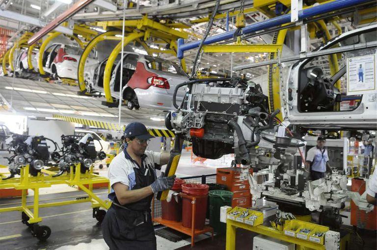 La industria automotriz exhibe cierta mejoría