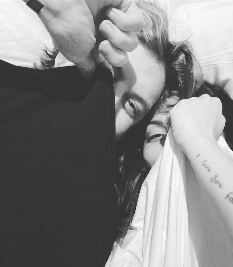 El 1 de enero, Sarah Shahi compartió su primera foto en Instagram junto a Adam Demos