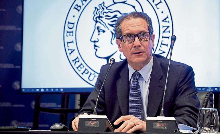 El presidente del Banco Central, Miguel Pesce, durante el anuncio de las nuevas regulaciones