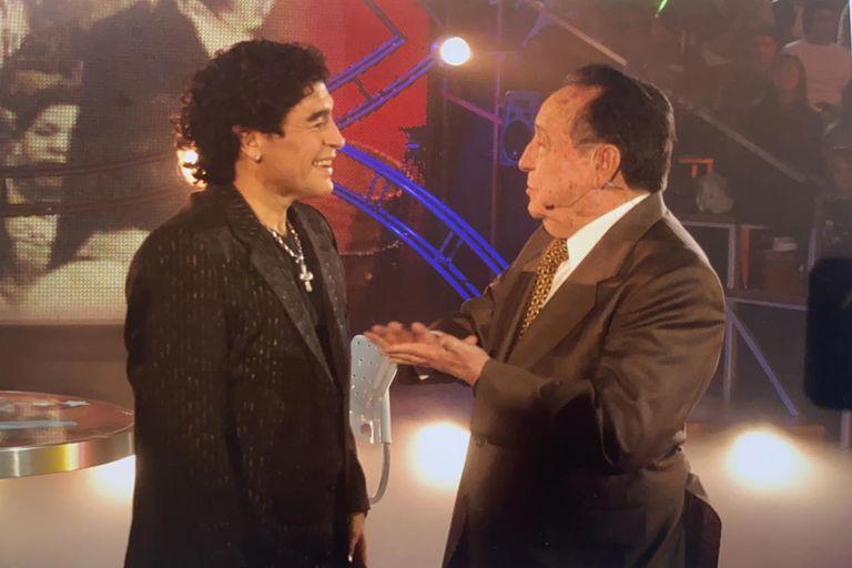 Diego Maradona entrevistó a uno de sus ídolos: Roberto Gómez Bolaños, Chespirito