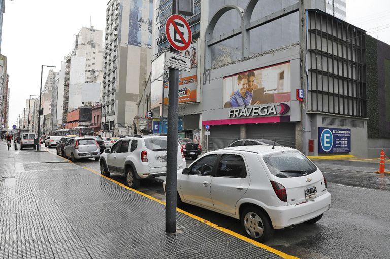 Estacionamiento libre en la ciudad, desinfección de lugares públicos y menos gente circulando por las calles