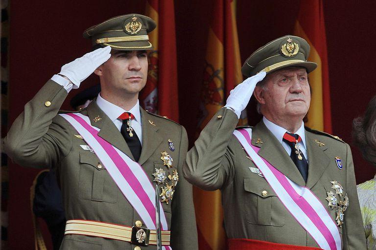 El rey de España Felipe VI y su padre, el rey emérito Juan Carlos I