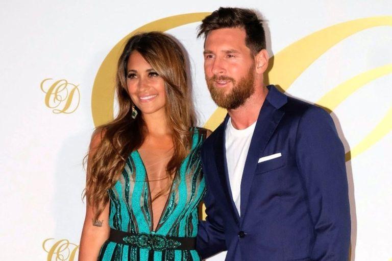 Las vacaciones de Messi: su look y el de Antonela en el casamiento de Fábregas