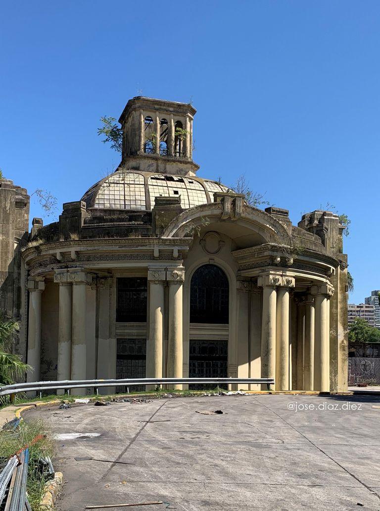 Abandonado y deteriorado, así se encuentra hoy el Pabellón del Centenario